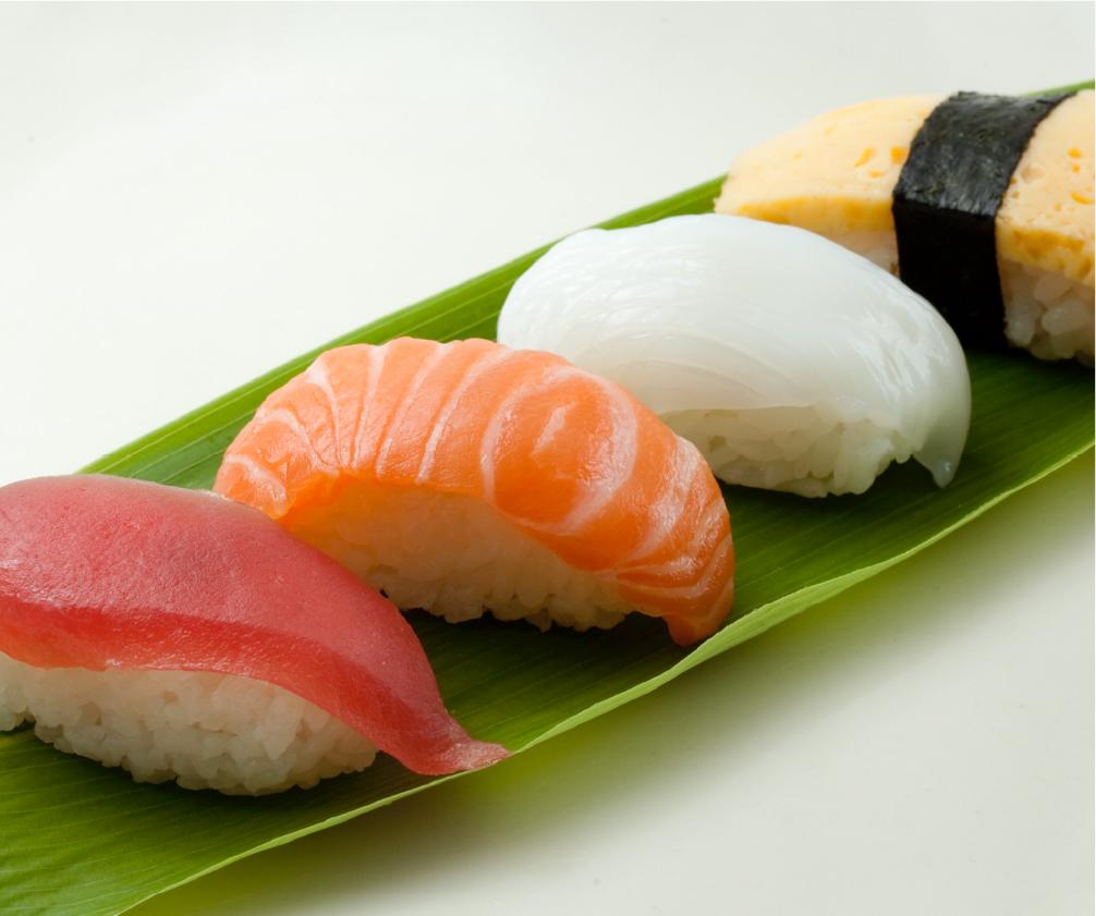 ネタを乗せてお寿司に